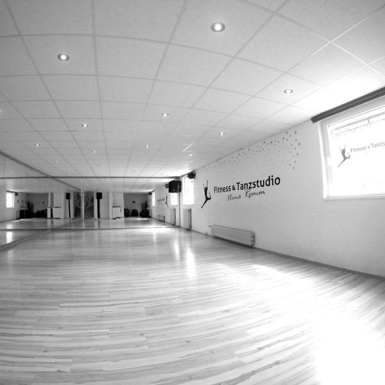 Studio3-blackwhite